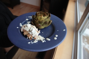 Chicken with Blue Cheese Sauce and Oven-Roasted Artichokes